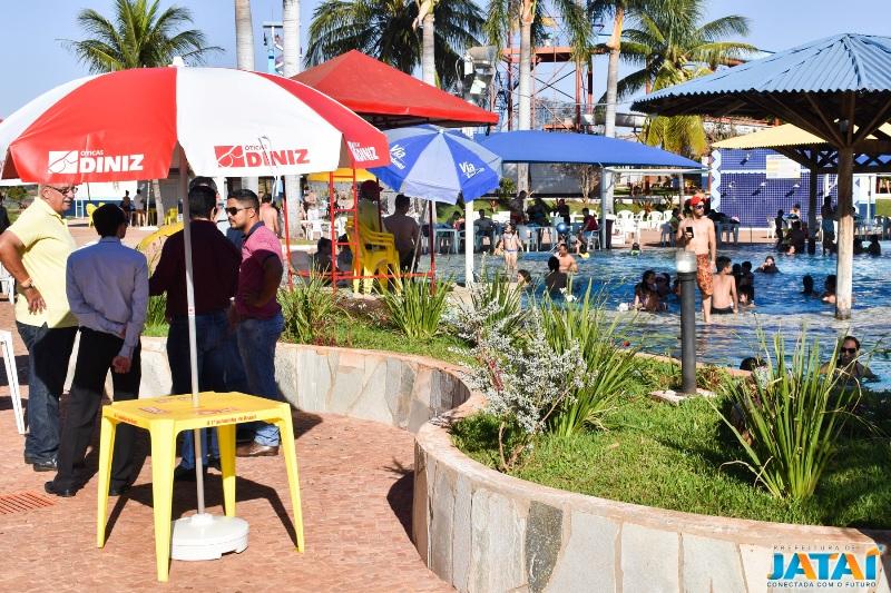 9f4308793cb20 Os guarda-sóis foram doados devido a potencialidade turística do clube e  servirá para uso de visitantes e turistas que frequentarem o local.