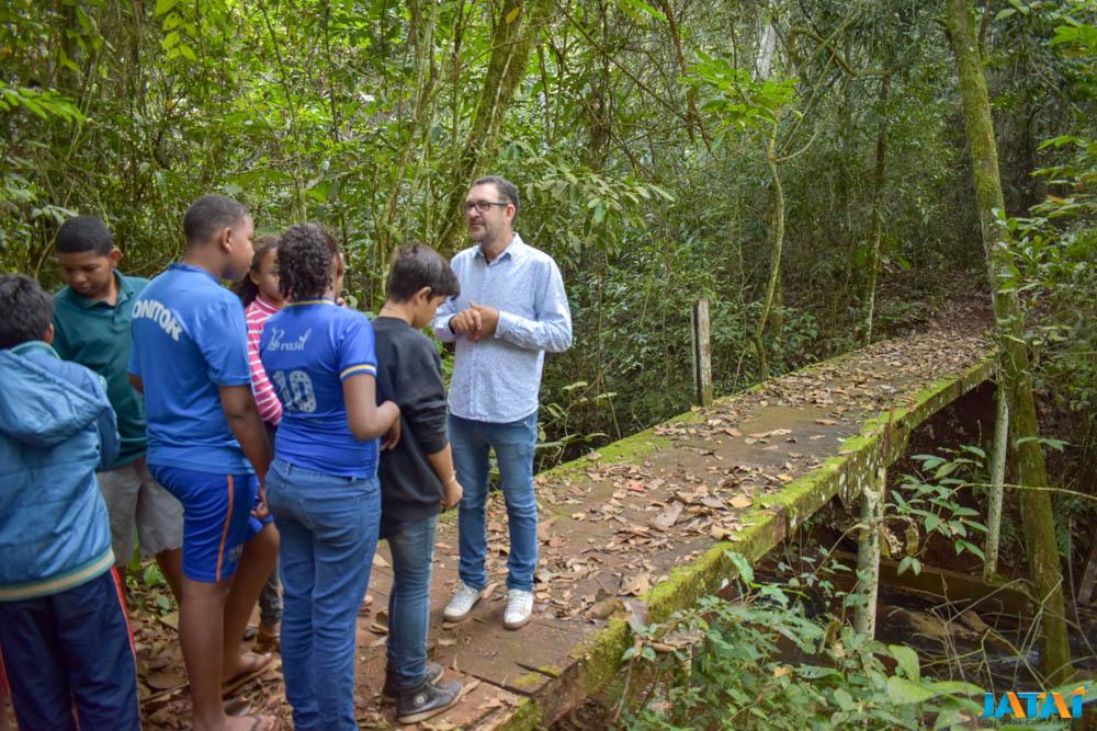 MEIO AMBIENTE E CIDADANIA | Alunos do Jovem do Futuro participam de trilha ecológica na Mata do Açude | Prefeitura de Jataí